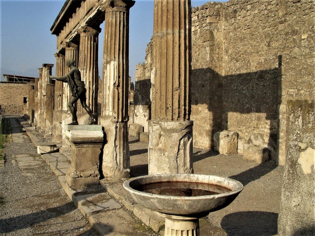 Columns Pompeii Italy Roman Times