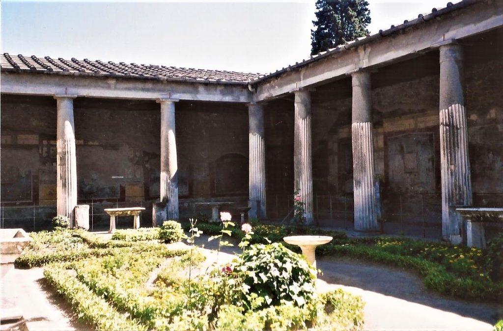 Pompeii, Vesuvius eruption, Roman gardens, Roman columns, Italy