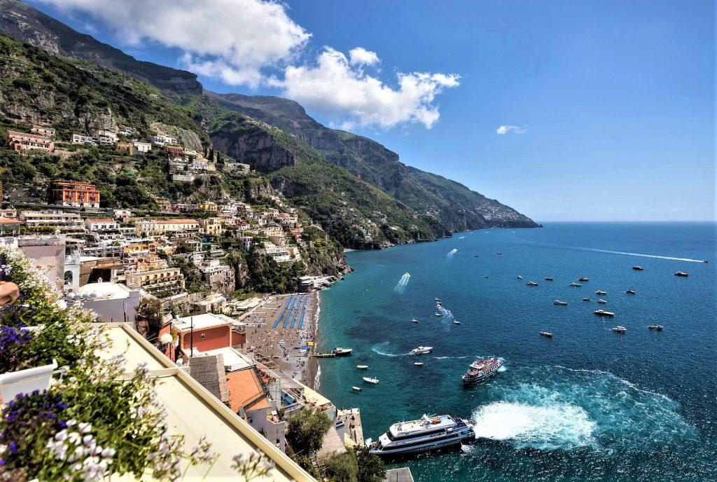Amalfi coast Italy Spaghetti with clams Amalfitana