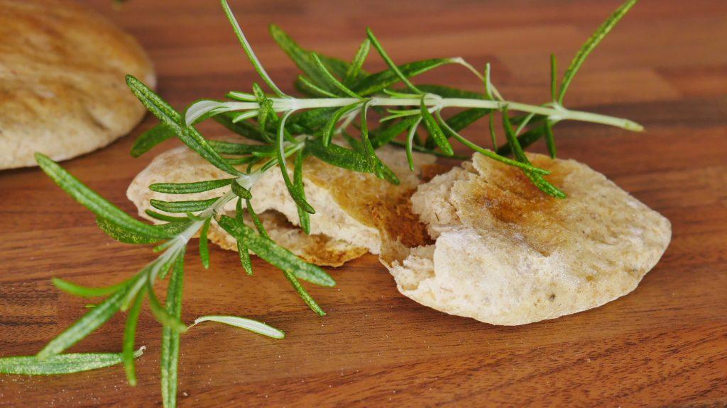 recipe to bake rosemary pita bread