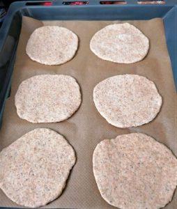 pita bread in tray