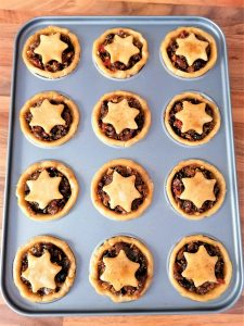 mince pies in tray