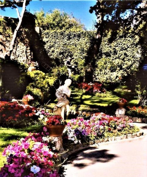 Augustus' Gardens