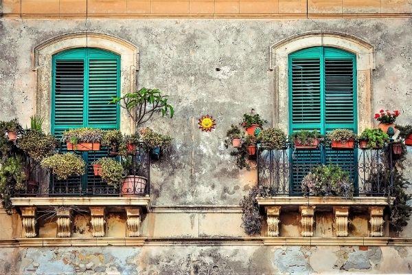 venice balcony flowers