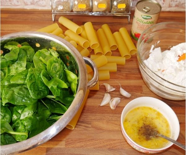 cannelloni with spinach and ricotta ingredients