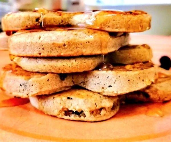 healthy banana oatmeal pancakes kid-friendly