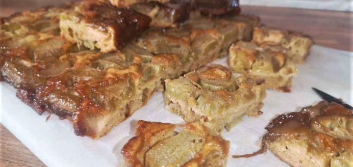 upside-down rhubarb pie