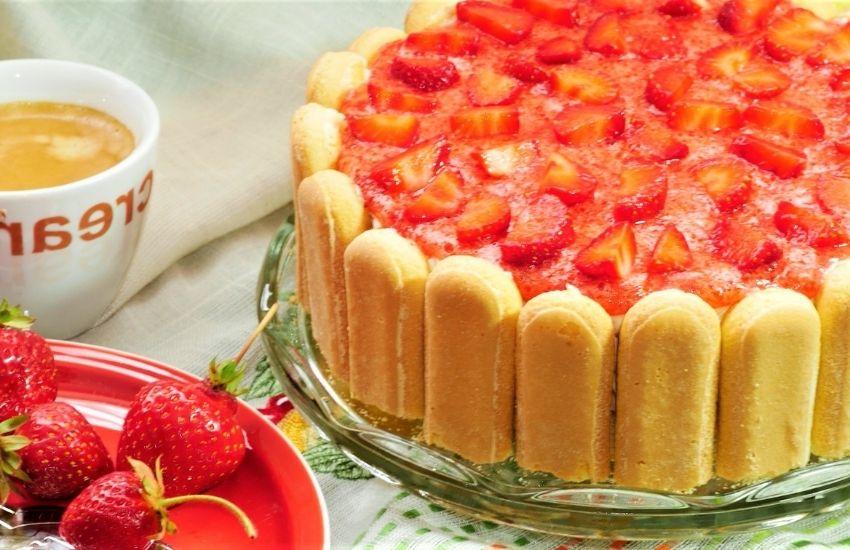 ladyfinger strawberry cheesecake