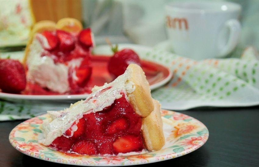 slice of ladyfinger strawberry cheesecake