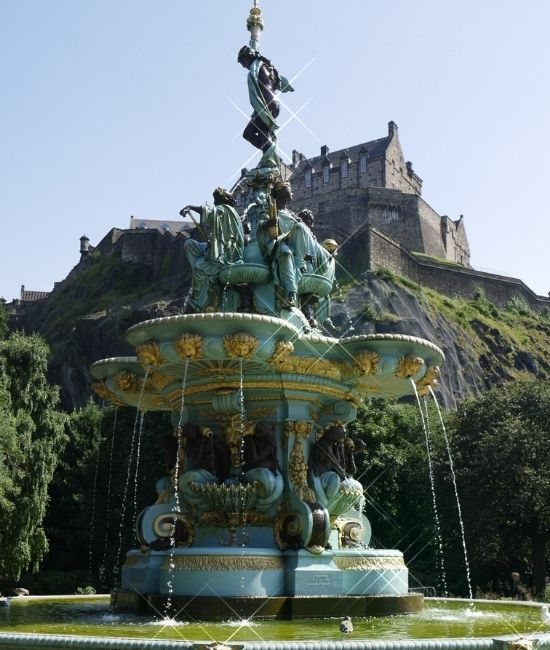 Ross Fountain and view of Edinburgh Castle