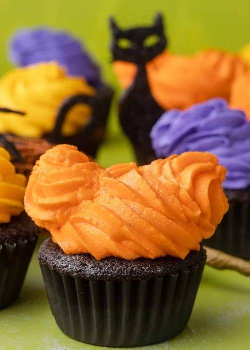 Hocus pocus cupcakes Halloween quirky treats